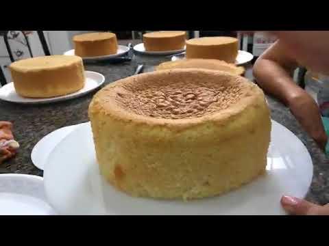 Ensinando alunas a cortar o bolo para montar - 10 de maio