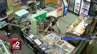 Самое шокирующее ограбление недели. Видеонаблюдение!(, 2018-09-14T15:27:26.000Z)