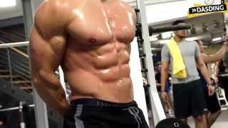 Körperkult Extrem - Alon Gabbay macht mit Muskeln Kohle | DASDING