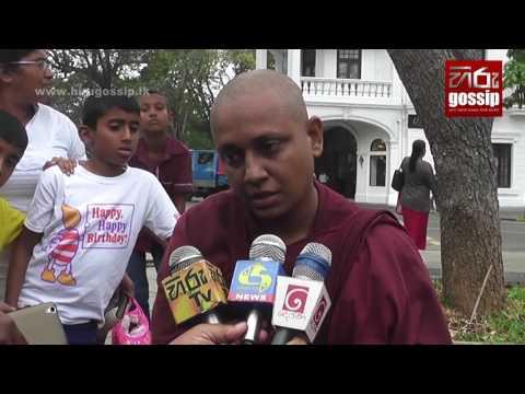 Dasa Sil Matha launches hunger strike near the Dalada Maligawa in Kandy