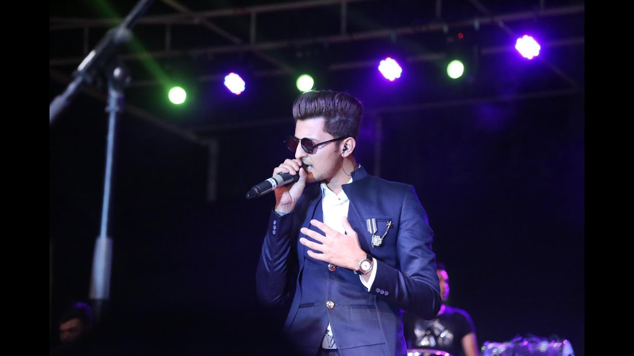 Darshan Raval Age, Girlfriend, Family, Biography & More » StarsUnfolded