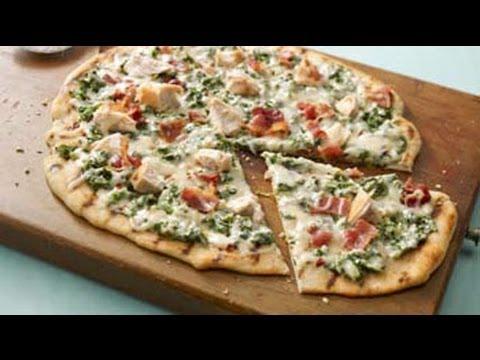 pizza-grillée-aux-épinards-en-sauce-alfredo