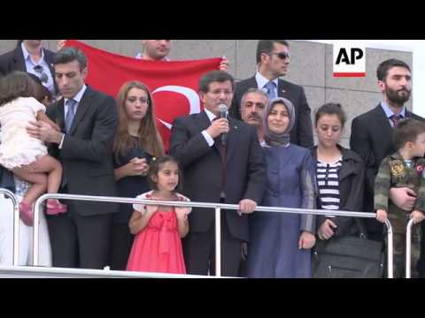Hostages released by Islamic State group arrive in Ankara