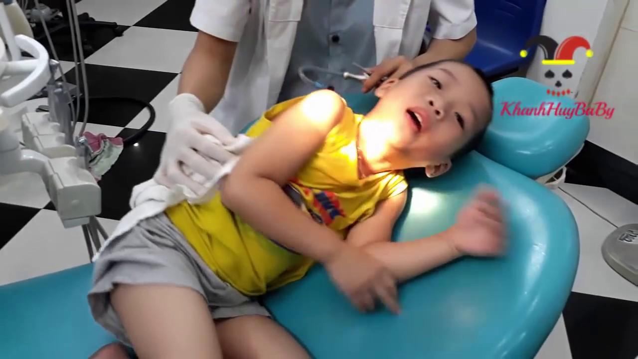 Trò chơi bác sĩ khám răng thật cho bé | Phòng Khám Siêu Nhân