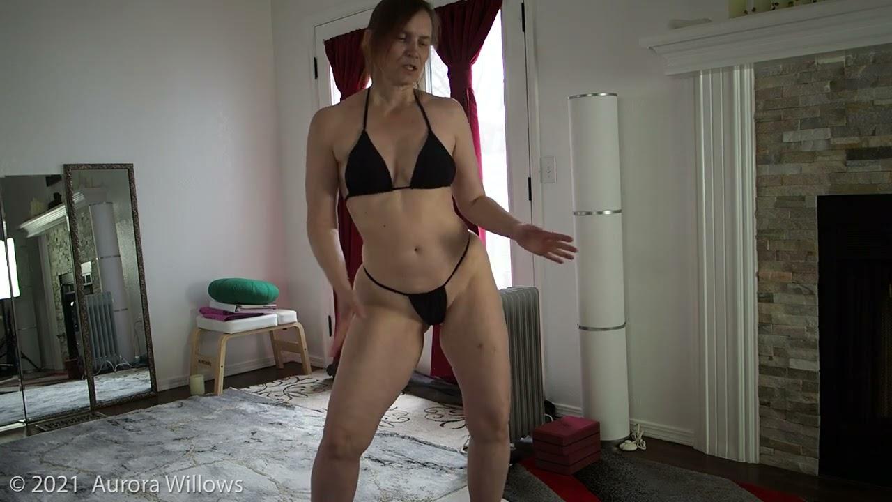Fashion show bikini workout
