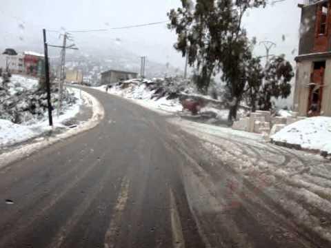 ILLOULA/le chef lieu sous la neige....