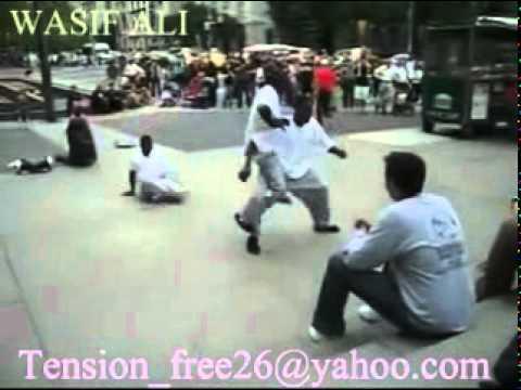 PANJABI FUNNY CLIP  2011 new pakistani madari dance