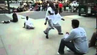 PANJABI FUNNY CLIP  2011 new pakistani madari dance