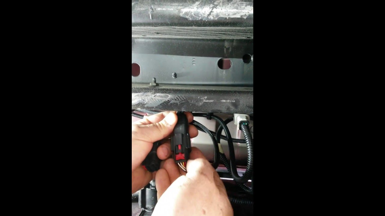 maxresdefault gmc sierra disconnect back up camera harness youtube gm backup camera wiring harness at reclaimingppi.co