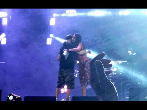 Eminem + Rihanna - Monster (@Metlife Stadium Monster Tour Live 2014)