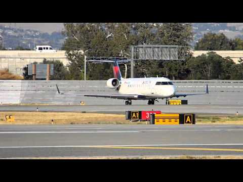 Canadair Regional Jet CRJ-200 Takeoff from San Jose