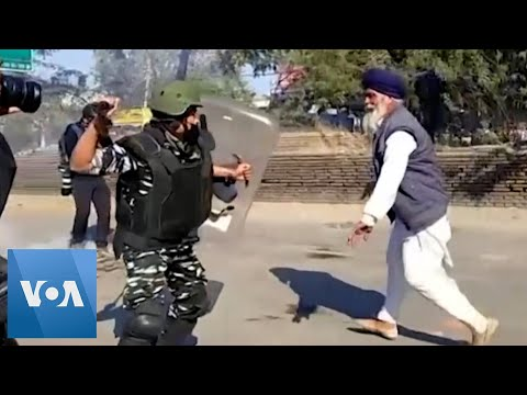 Protesting Indian Farmers Clash With Police En Route to New Delhi