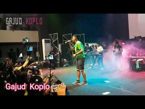 OM Wawes - Tetep Neng Ati - Live QT SQUARE