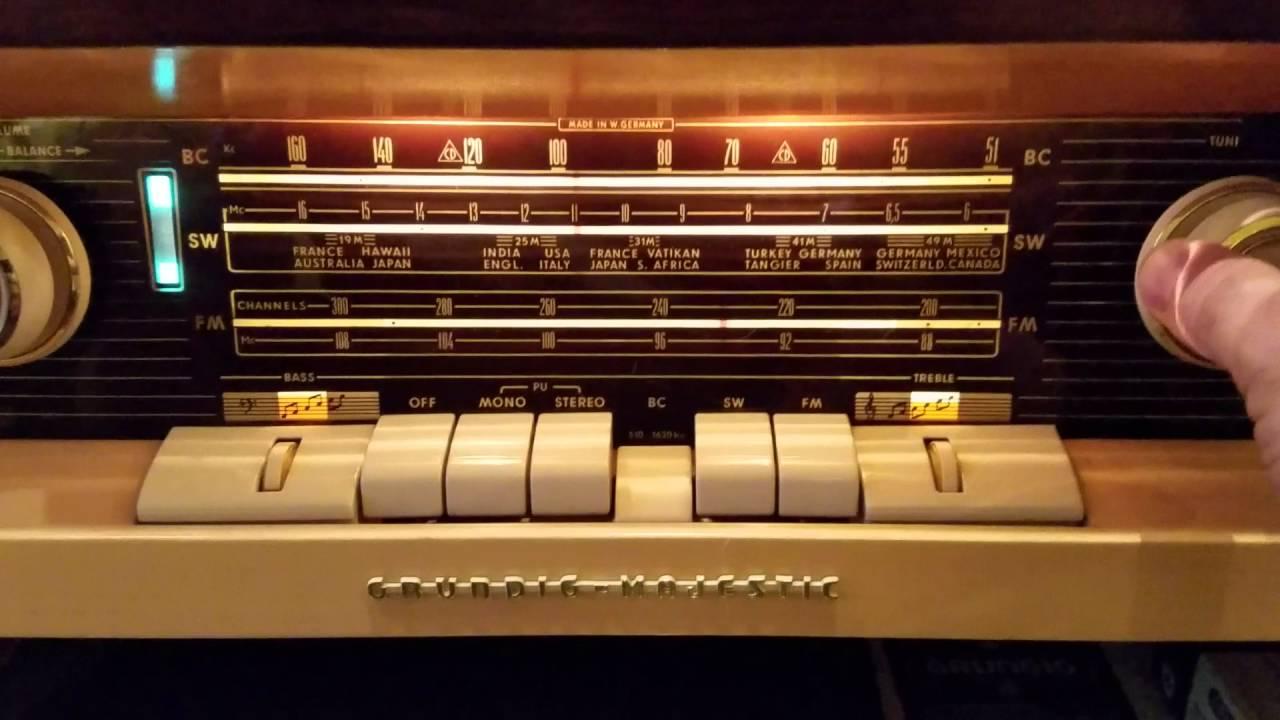 Grundig Console Stereo model SO 122 - YouTube