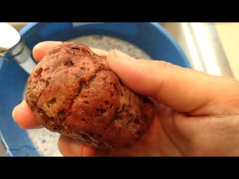 How to clean rocks with vinegar