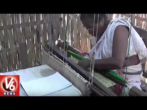 Assamese Woman Weaves Bhagwat Geeta On Cloth | Assam | V6 News