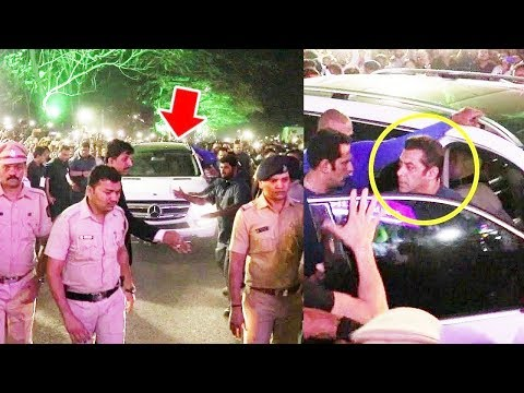 Salman Khan's GRAND Entry At Pune PNG Store Launch Event