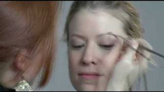 Natural makeup video tutorial - by Julianne Kaye Thumbnail