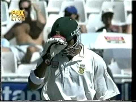 COMPLETE FAIL BATTING ON 99* - NEIL McKENZIE 2002 vs AUSTRALIA