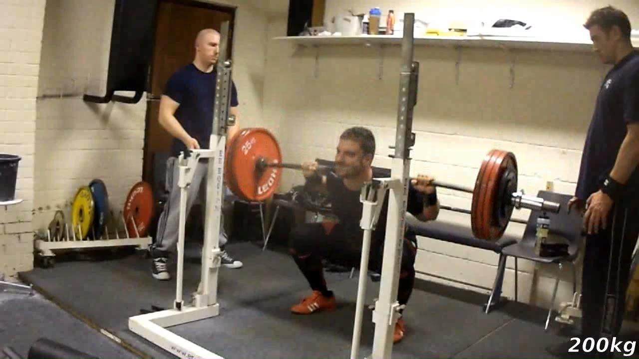 10x200kg squat 5x130kg bench press 5x220kg sumo deadlift