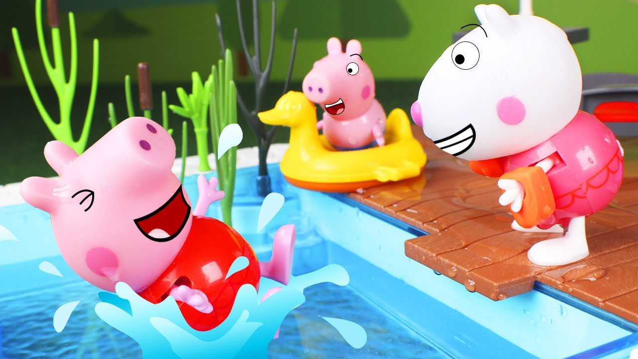 Peppa Pig Toys The Pig Family Goes To The Swimming Pool Youtube