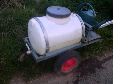 Mon tracteur tondeuse avec la citerne youtube - Remorque de jardin pour autoportee ...
