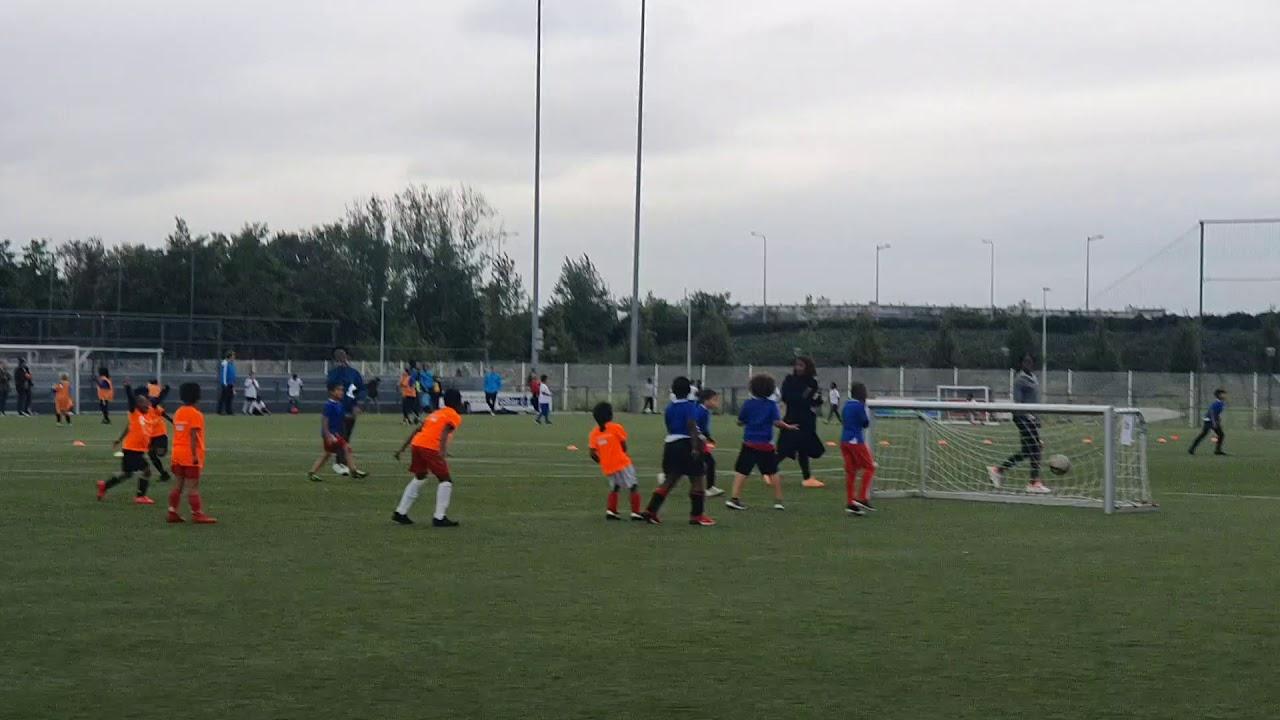 Schoolvoetbal doelpunt LJ