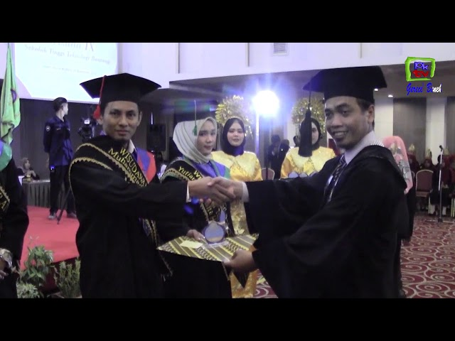 STITEK BONTANG WISUDA 78 MAHASISWA ANGKATAN KE IX