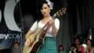 Katy Pery - Thinking Of You (Acoustic) (Toronto 07/19/08)