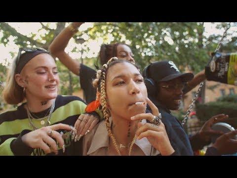 LAVA LA RUE - STITCHES [TWENNYFOUR /BISCUIT] (OFFICIAL MUSIC VIDEO) Mp3