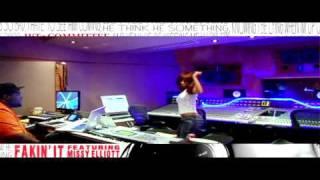 Смотреть клип K. Michelle - Fakin It