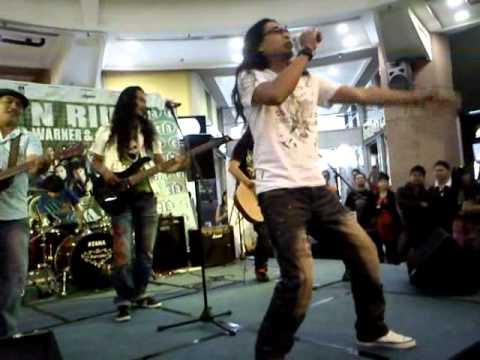 Jinbara - Kasihnya Laila (live)
