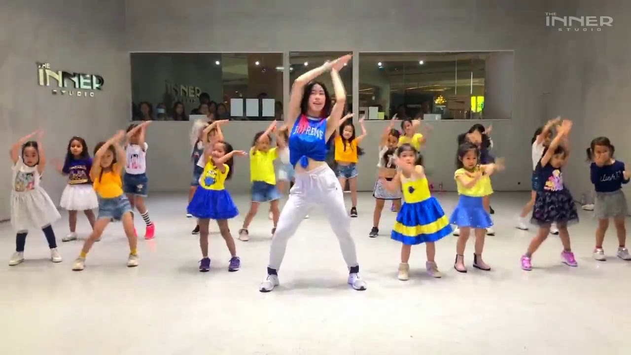 BABY SHARK ~ TRAP REMIX #DanceCover - YouTube