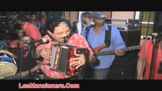 Nicolas Gutierrez El Manos Brujas Del Acordeon , Cantando Peye Peña
