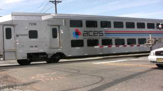 HD: New Jersey Transit - ACL Trains Flag Westfield Ave Crossing