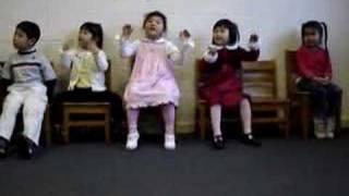 中文学校表演圣诞歌曲:铃儿响叮当