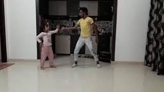 Bad Salsa Kamariya dance performance