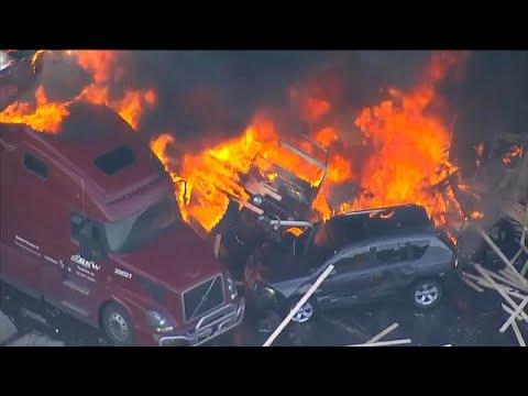 شاهد: حريق هائل في كولورادو بسبب اصطدام شاحنة بصف من السيارات…  - نشر قبل 3 ساعة