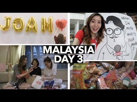Malaysia Vlog #3 | Opening Gifts & Tasting Malaysian Snacks 😋