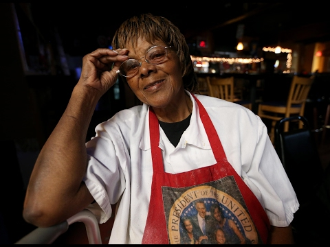 Nellie's soul food restaurant reopens in Oakland
