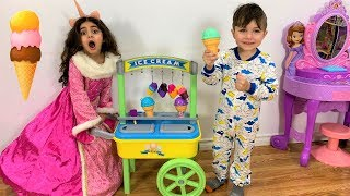 Kids Selling Ice Cream From ICE CREAM CART!! Kids Fun Toys