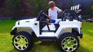 سينيا تفكك عن الآلة الجديدة والدبابة للأطفال!