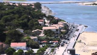 La Franqui (Leucate) : le village et la plage filmés depuis la falaise