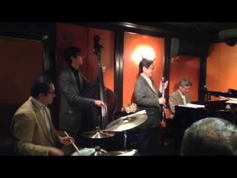 Twilight Special Jazz & Bar em's Pro-Ama Quartet (e-PAQ) (When You're Smiling)