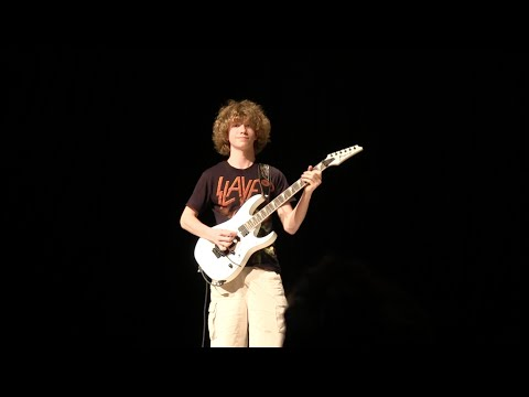 15 Year Old Plays Thunderstruck Cover at Talent Show