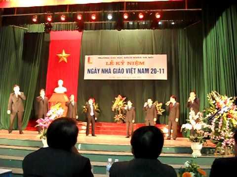 Tốp ca nam TV Tạ Quang Bửu hát chào mừng 20/11