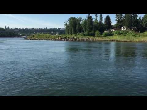 Cruising on the Willamette River