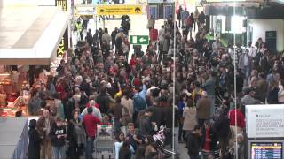 Flash mob Coro do Teatro Nacional de São Carlos no Aeroporto de Lisboa