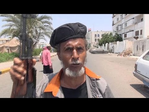 Yemen: Militias defend Aden amid Huthi bombings