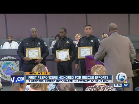 Riviera Beach officer honored for rescue...